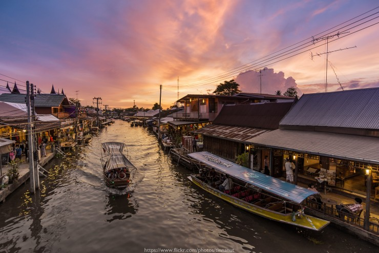 Floating-Market-by-Tinnapat-Chaikoonsaeng_Flickr