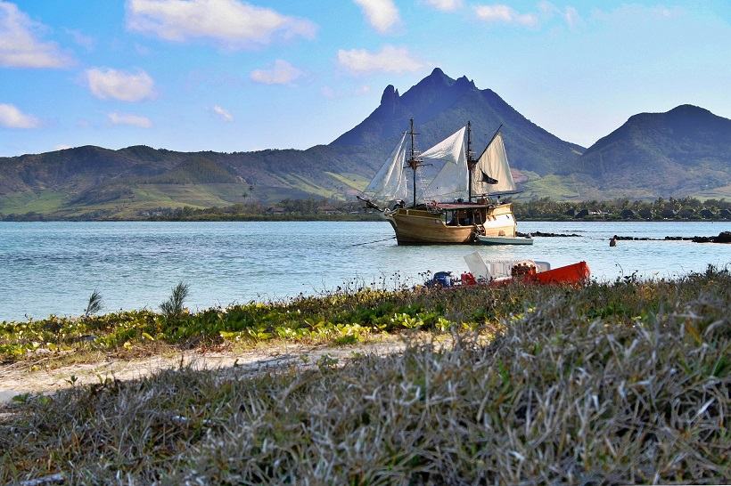 ile-aux-cerfs-treasure-island-mauritius-Reasons Why You Should Visit Mauritius For Your Honeymoon