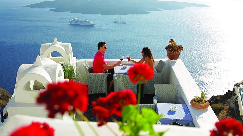 romance-in-santorini-reasons-why-you-should-visit-Santorini.