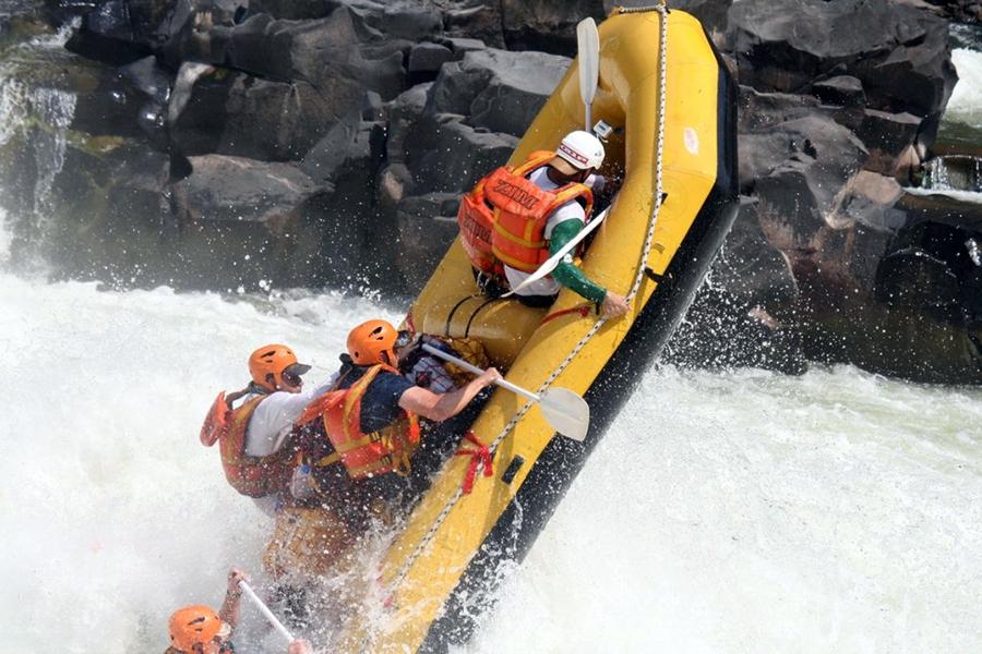 whitewater-rafting-zambia