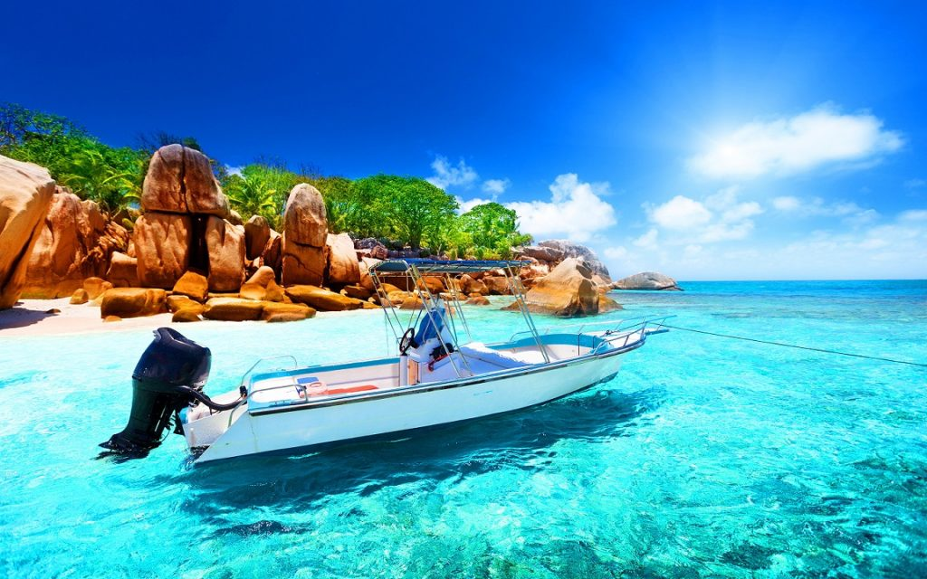 seychelles-beach-Seychelles-should-be-your-honeymoon-destination