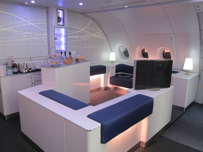 korean-air-a380-bar