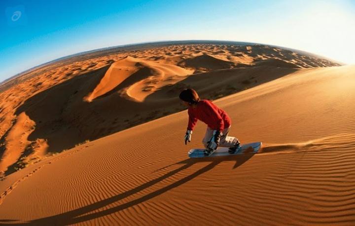 Sand boarding-abu-dhabi_desert