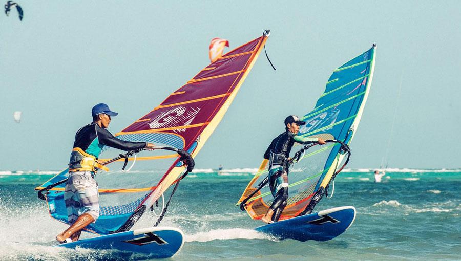 windsurf-on-boracay-island